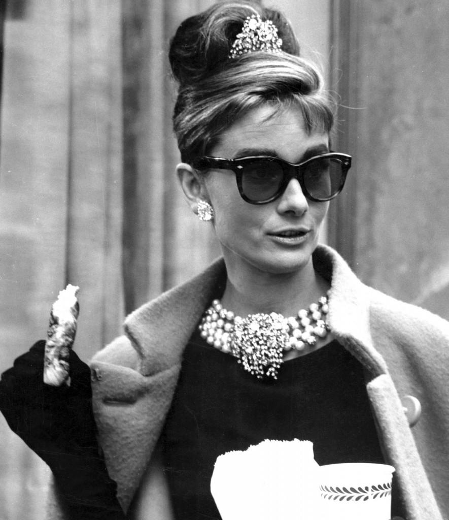 Ray-Ban-Wayfarer-Audrey-Hepburn1