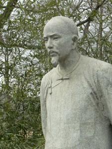 Statue_of_Cao_Xueqin