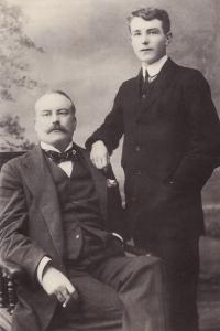 Roger y Joe ackerley