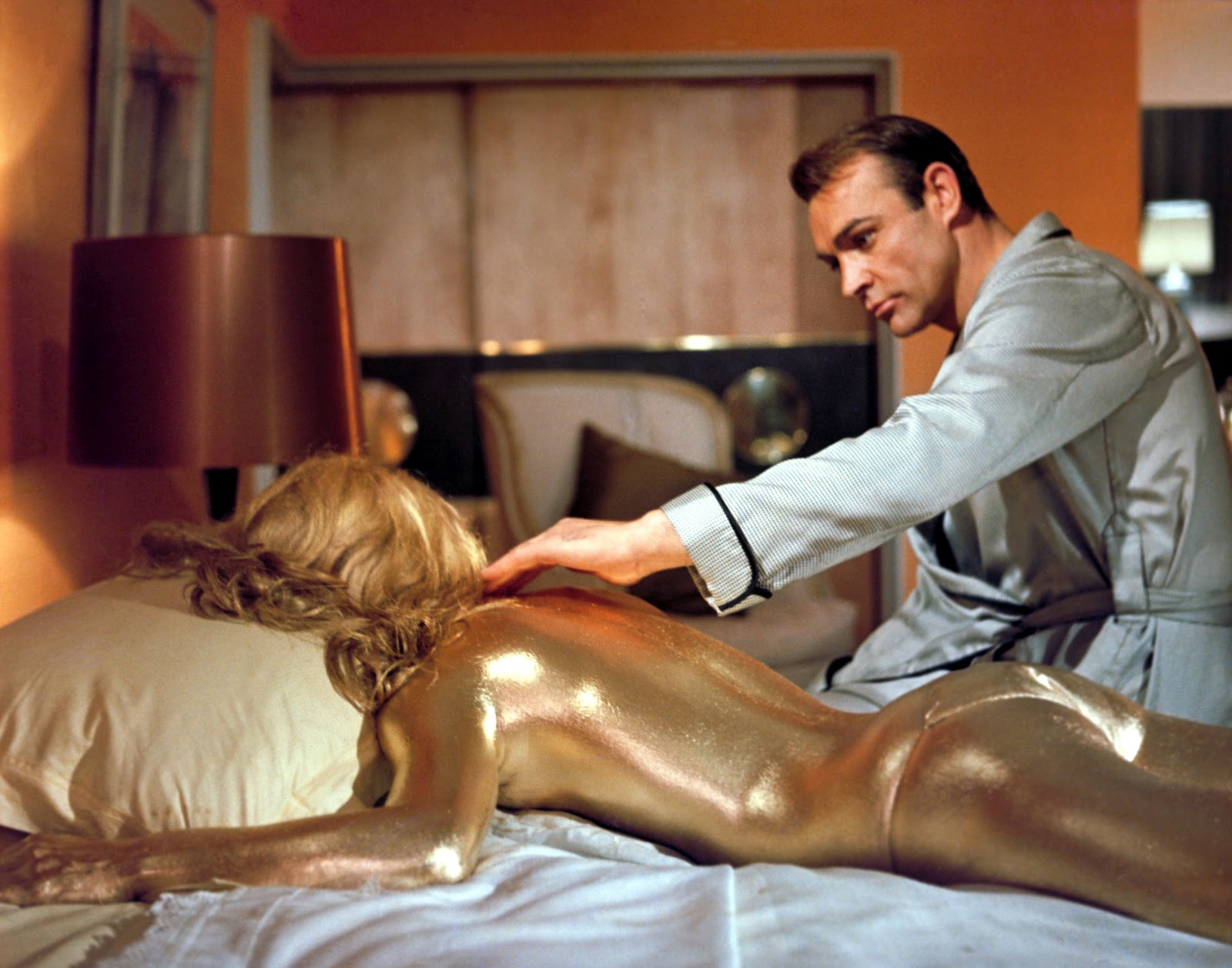 Goldfinger Connery y Shirley Eaton