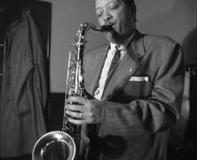 Coleman Hawkins y Lester Young: Modernidad y tradición desde el saxo tenor