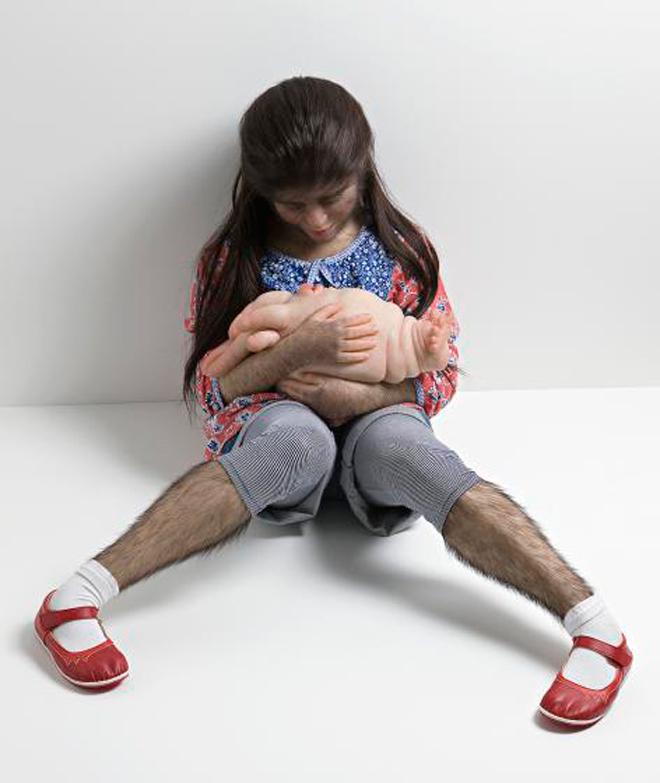 Patricia-Piccinini-02_Comforter_02